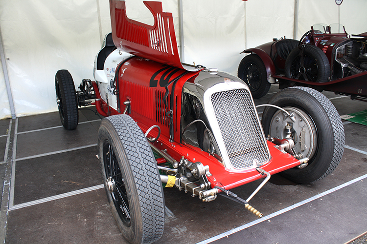 autos clásicos Maserati 8CM Motor en Marcha